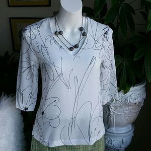 DKNY white and a touch of black blouse size XXS